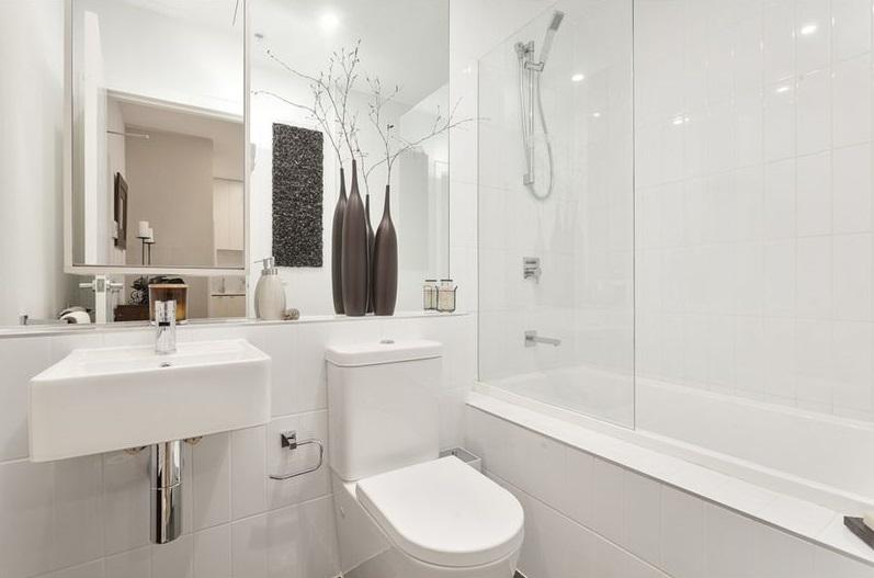 Bathroom_(4)